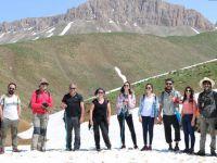 Yüksekova Şişol Dağı'na doğa yürüyüşü
