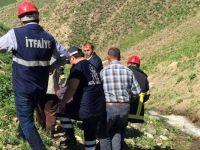Yüksekova'da dağdan düşen pancarcı kurtarıldı