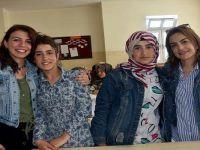 Aileleri ikna edilen 2 kız kardeş, lisede okuyor