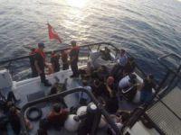 Göçmen teknesi battı: 3'ü çocuk 12 kişi öldü