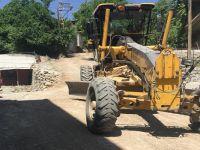 Hakkari'nin bağlar mahallesi 25 yıl sonra asfalta kavuşuyor