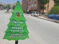 Belediyeden 'Ağaç' temalı uyarı levhaları
