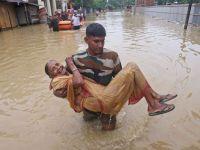 Hindistan'da sellerde ölenlerin sayısı 160'a çıktı