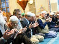 Türkiye genelinde camilerde Fetih Suresi okundu
