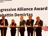 Demirtaş'a 'Siyasi Cesaret Ödülü' verildi