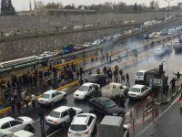 İran'da zam protestoları: Şiraz'da benzin istasyonları ateşe verildi, Tahran'ın giriş-çıkış yolları kapatıldı
