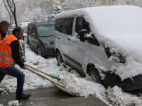Hakkari'de 59 köy ve mezra yolu kardan kapandı