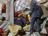 Deprem bölgesinde arama kurtarma çalışmaları sürüyor