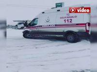 Hakkari'de Ambulansla karlı zeminde drift! İl Sağlık Müdürlüğü soruşturma başlattı