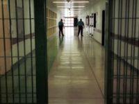 Cezaevine 'uyuşturucu madde' sokan gardiyan tutuklandı