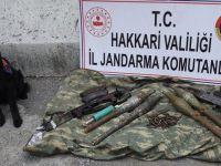 Çukurca'da Silah ve Mühimmat Ele Geçirildi