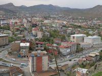 Hakkari'de kiralık evler el yakıyor