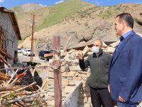 Vali Akbıyık hasar gören evleri inceledi