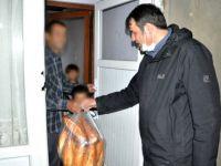 Başkan Çoğaç'tan ihtiyaç sahiplerine ekmek