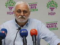Yassıada'da Menderes, Ankara'da Evren olunmaz