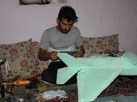 Hakkarili genç maketten F35 savaş uçağı yaptı