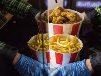 Melbourne'da polis 20 kişilik yemek siparişi verilen eve baskın yaptı