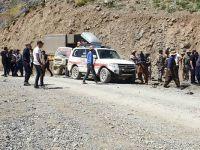 Hakkari'de araç uçurumdan yuvarlandı: 6 ölü