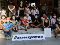 'Susuyoruz' eylemi yapan tiyatroculardan destek çağrısı