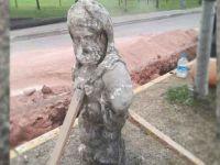 Yol kazısı sırasında heykel bulundu