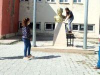 Yüksekova'da öğretmenler, öğrencileri için okullarını hazırlıyor
