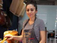 Tunceli'de tek kadın bağlama yapımcısı: Öğretmek için kapım herkese açık