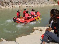 Hakkari Zap Suyunda Rafting şampiyonasına hazırlanıyorlar