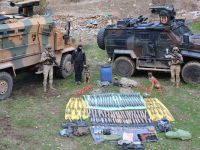 Hakkari'de, 4 sığınakta mühimmat ve silah bulundu