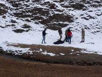 Hakkari-Van karayolunda 3 kişi donarak öldü