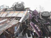 7 aracın karıştığı zincirleme kaza! Ölü ve yaralılar var