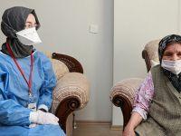 90 yaş üzeri vatandaşlar evlerinde aşılanmaya başlandı