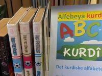 """Norveç'te, ilk Kürtçe kitap, """"Alfabeya Kurdi"""" yayınladı"""