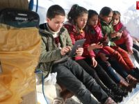 Antalya'dan, Yüksekovalı Çocuklara  tablet desteği