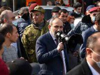 Ermenistan'da ordu Paşinyan'ın istifasını istedi