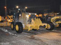 Yüksekova'da karla mücadele devam ediyor
