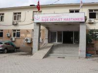 Şemdinli'de feci kaza: Kamyonetin altında kaldı!