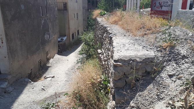 yol-duvar-(1).jpg