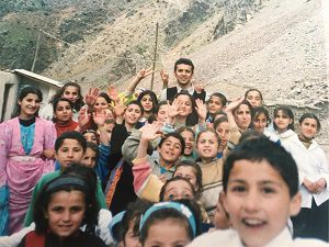Çukurca'daki Öğrenci ve velilere Kürtçe beste yaptı!