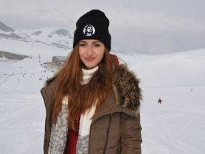 Hakkarili kayak severlerin şebeke çilesi
