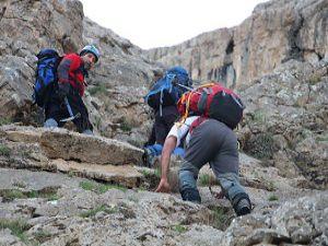 Sümbül dağın Zirve tırmanışını an be an kaydettiler
