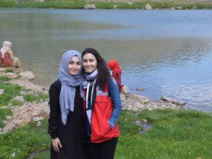 Hakkari'ye Gelen 20 Üniversiteli Berçelan Yaylası'nı Gezdi